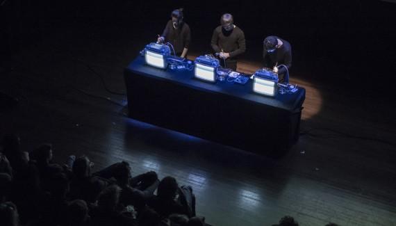 Jonathan Reus & SonoLab performing 'iMac Music'