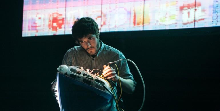 Jonathan Reus - 'iMac Music'